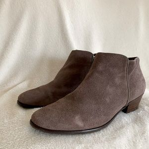 Crown Vintage Suede Leather Ankle Booties Sz 9.5
